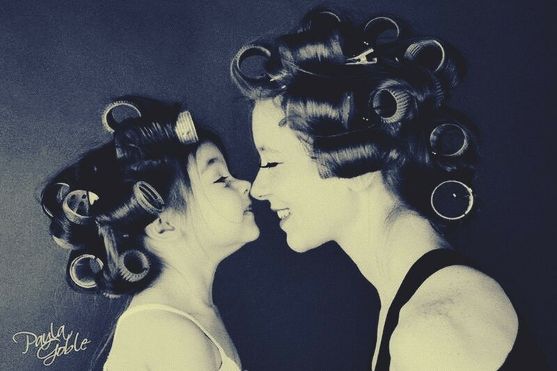 mom and daughter photo shoot ideas.jpg