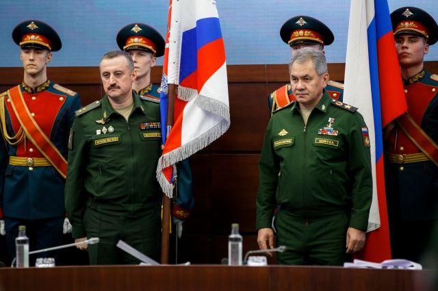 Шойгу похвастался формированием 2-х мотострелковых дивизий награнице с государством Украина