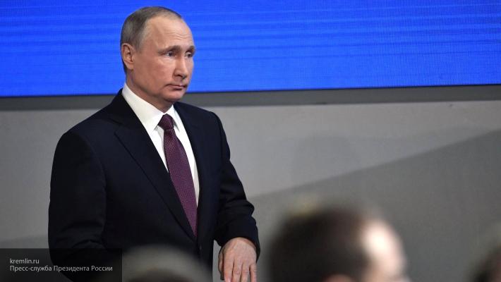 Демократы проиграли повсем фронтам, однако нужно вести себя достойно— Путин