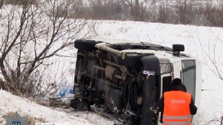 НаРовенщине перевернулся микроавтобус, травмированы 7 человек