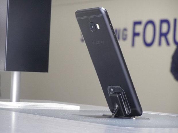 Анонсирован смартфон Самсунг Galaxy C5 Pro