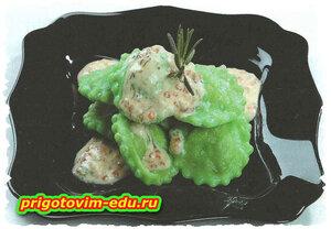 Равиоли с лососем, сыром и шпинатом