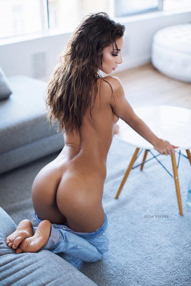 сексуальная Катерина и ее игры с джинсами / Katerina Kristall nude by Alisa Verner