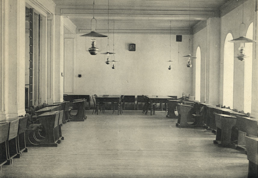 Владимирская губернская мужская гимназия. Репетиционная. Фото. 1913.jpg