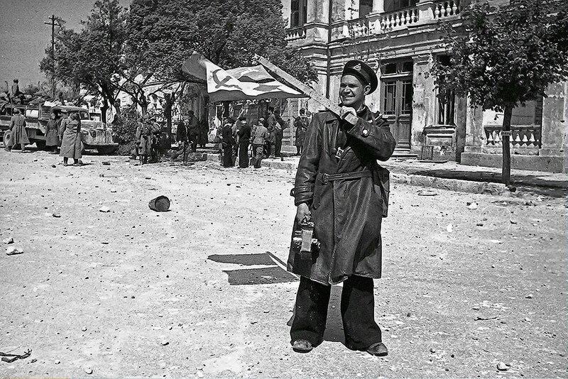 Фотография Е. Халдея(1917 - 1997)Фотохудожник Победы (31).jpg