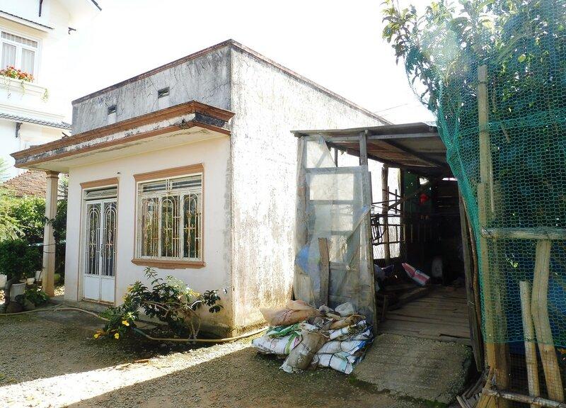 Вьетнамский дом во дворе