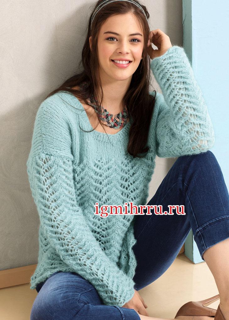 Нежный голубой пуловер с кружевным узором. Вязание спицами