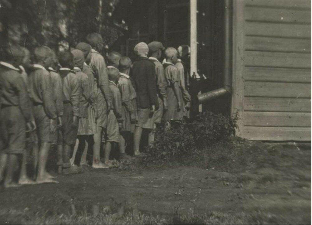 1933. В амбулаторию на осмотр. Горьковская область