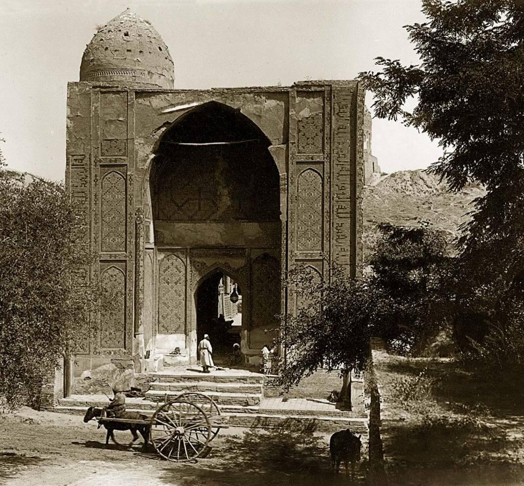 Медресе Шахи Зинда. Главный вход