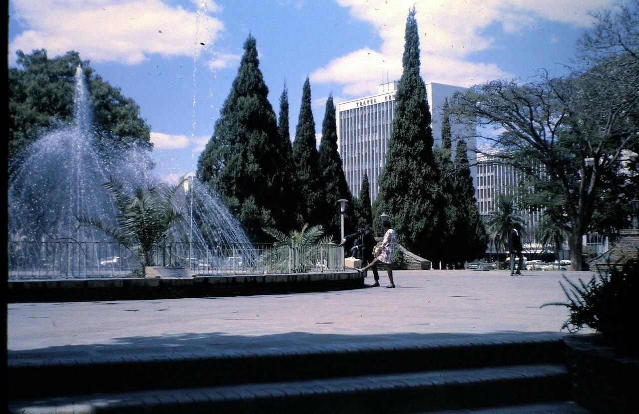 21 августа. Солсбери (Родезия) Сесил-сквер