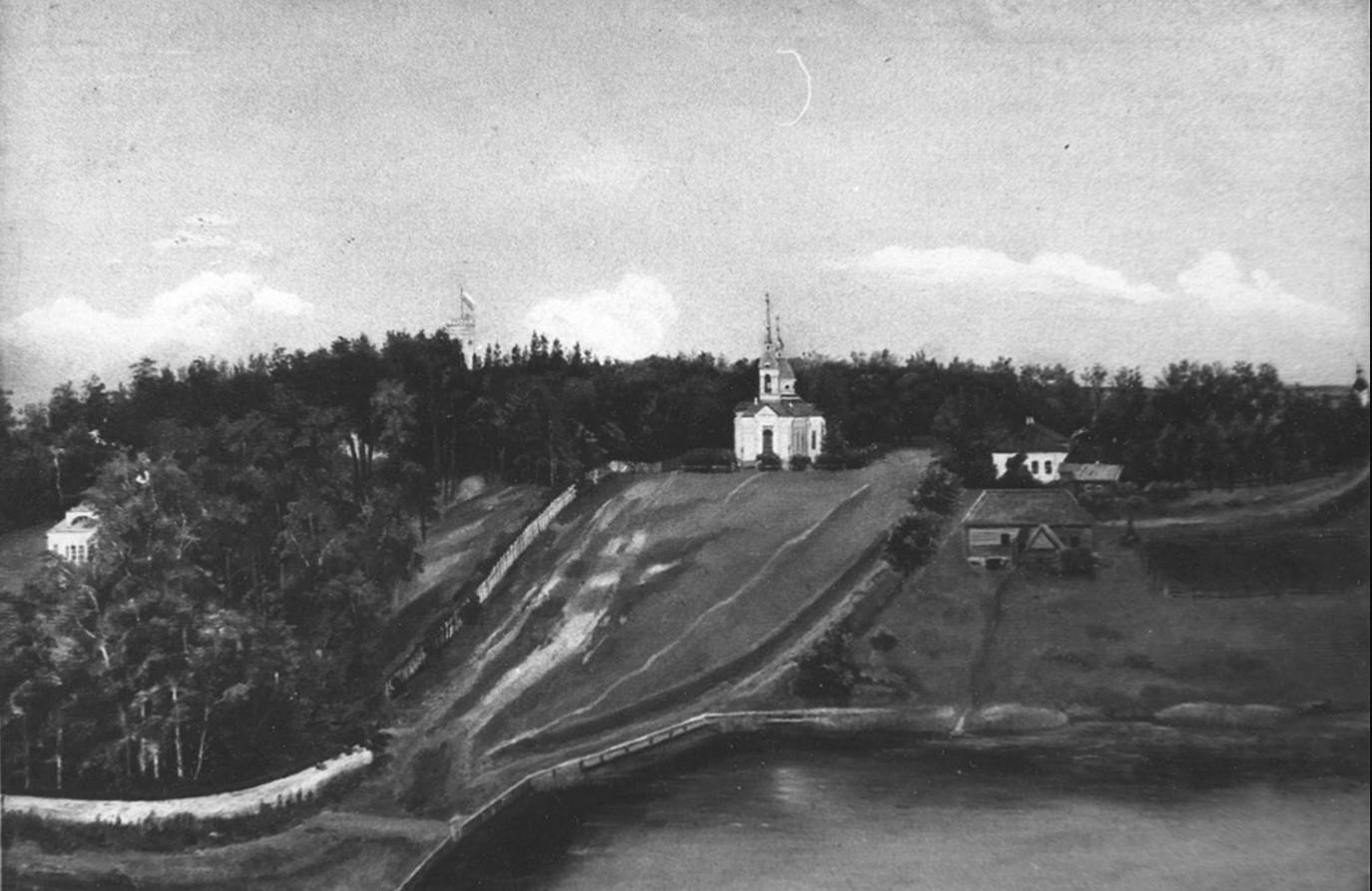 Вид на Троицкую церковь и усадьбу Гостилицы