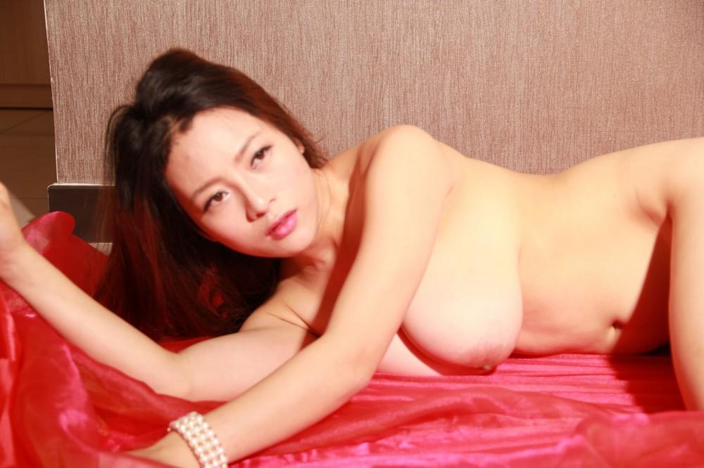 Откровенные снимки азиаток
