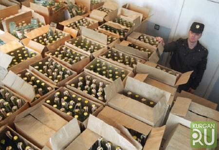 Около 20 тыс. бутылок контрафактного алкоголя обнаружено в нелегальном цехе в Подмосковье