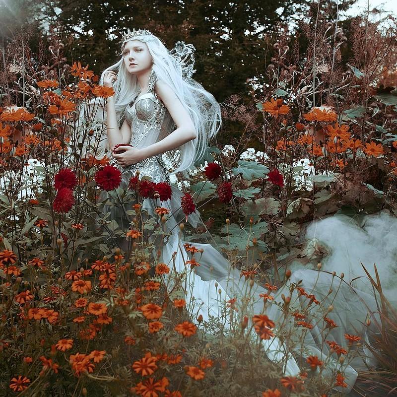 0 17e86d f0ea6a8f orig - Магические портреты девушек от Беллы Котак
