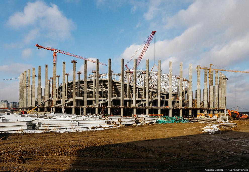 21. За осень сделал несколько памятных фотографий стадиона со стороны. Вид с последнего оставше
