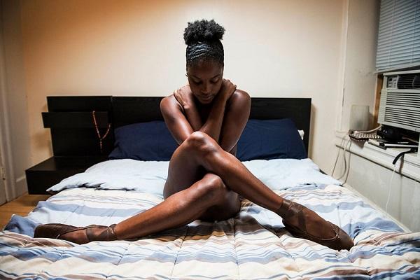 Этот фотограф снял балерин в самом интимном месте. Только посмотри на эти снимки!