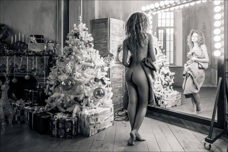 3.1 Все фотографы, снимающие голых женщин, трахаются с ними. Тема, которая постоянно всплывает при о