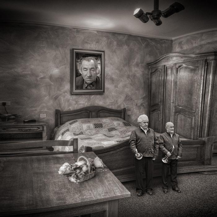 Монохромный мир безудержной фантазии в фотографиях Ива Лекока (21 фото)