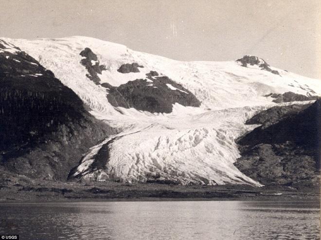 Ледник Тобогган, Аляска — 2000 Фотография, сделанная десятилетиями позже, показывает, что ледник Тоб
