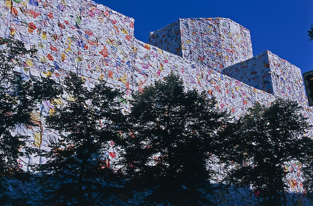 In 2001, Artist Ha Schult Wrapped a Former Berlin Post Office in Thousands of Oversized Love Letters Collected From the Public