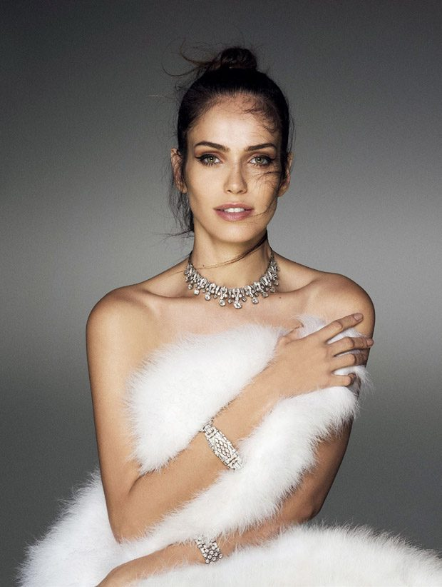 Amanda Wellsh Models Bulgari Jewelry for Vogue Japan January 2017 Issue (4 pics)