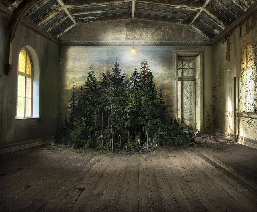 Apocalyptic and Enchanting Photomontages by Suzanne Moxhay (5 pics)