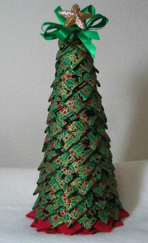 Превращаем конусы в новогодний декор