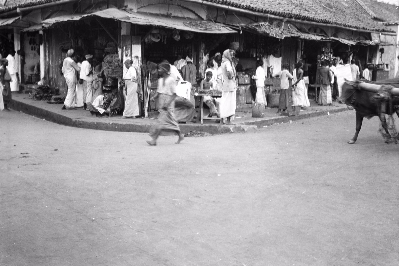 225. Магазины на базаре в Канди