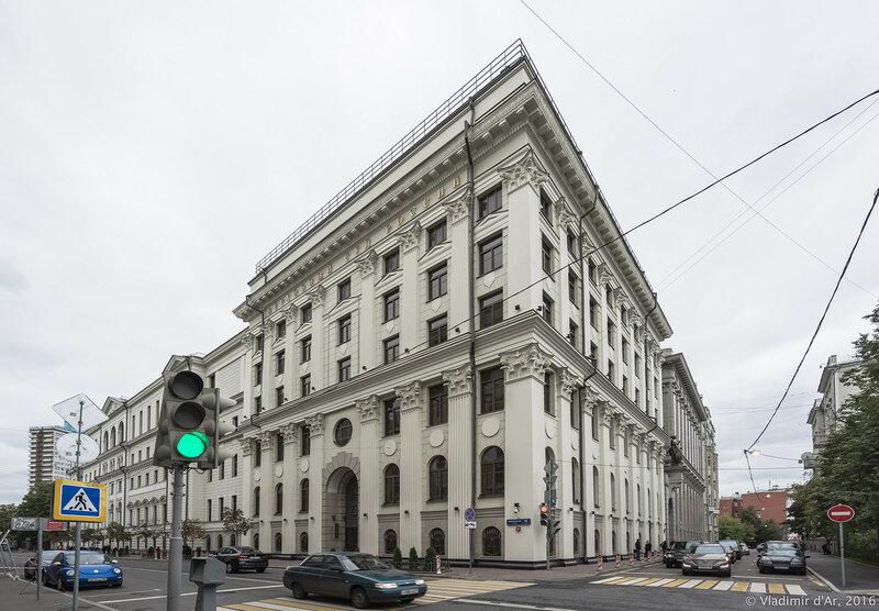 Верховный суд РФ. Поварская, 15. Большой Ржевский переулок.