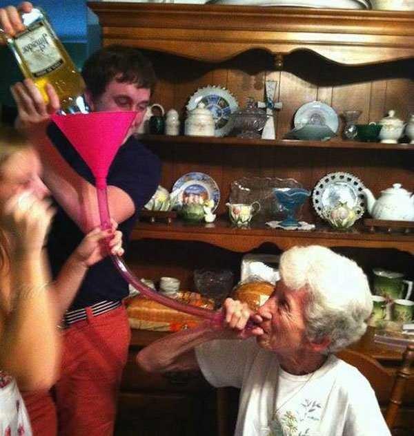 Веселые старушки-хулиганки