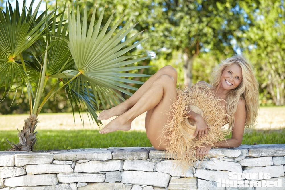 63-летняя Кристи Бринкли в купальниках