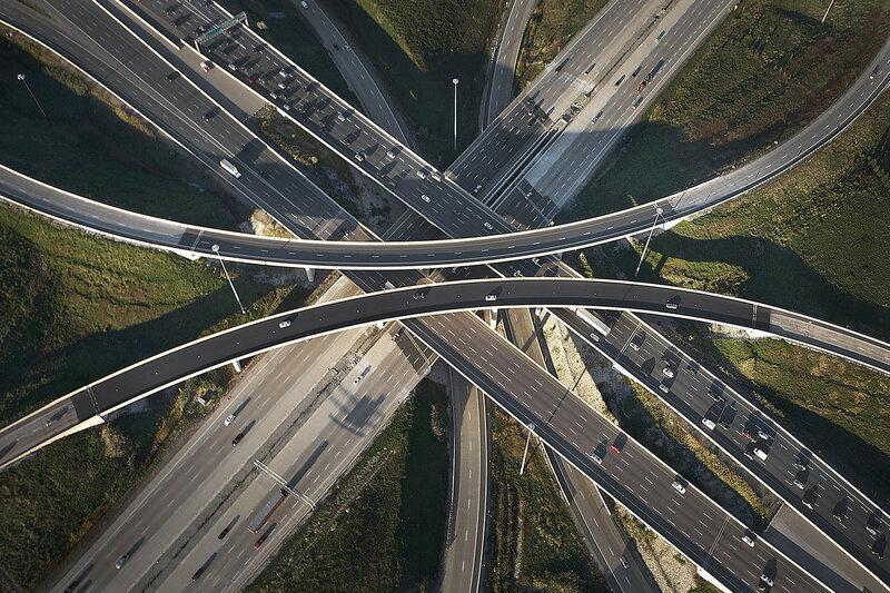 Удивительные снимки дорожных развязок