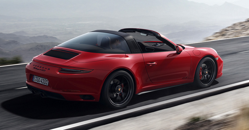 Компания Порше  показала свою обновлённую версию модели 911 GTS
