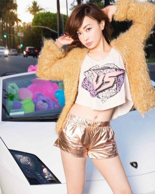 Японская модель Риса Хирако выглядит на 25 лет моложе своего возраста