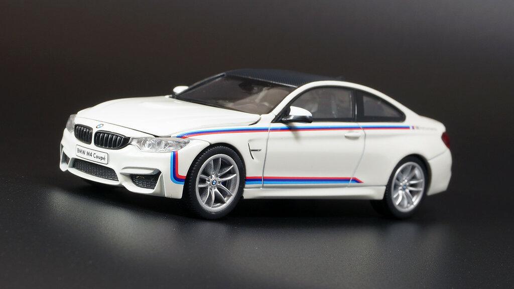 BMW_3.0CSi_M4_05.jpg
