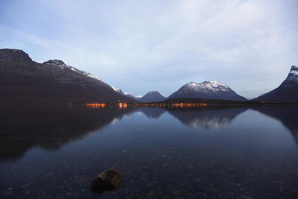 11. На озере Nikkavatnet, 28 сентября 2014.