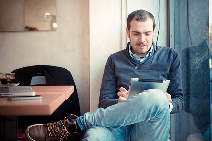 Интернет и связь Free Wi-Fi finder Приложение для поиска wi-fi точек в 104 странах мира. Можно искат