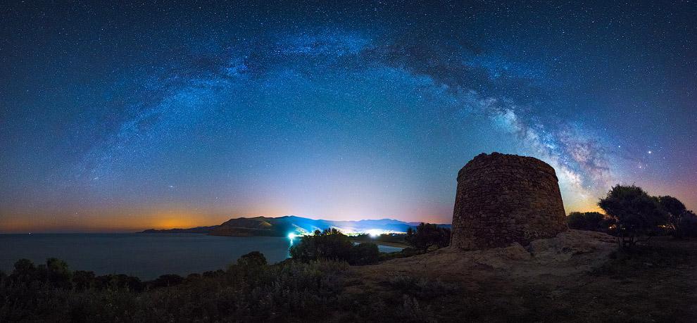 6. Суперлуние над Акрополем. (Фото Alexandros Maragos):