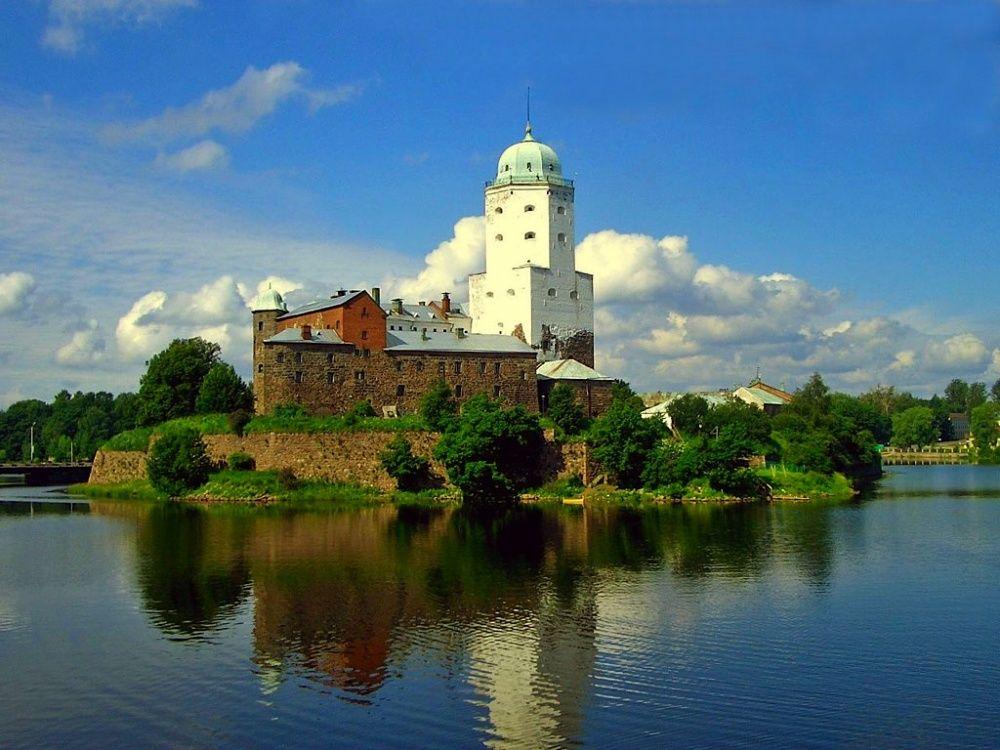 17. Выборгский замок, Россия Выборгский замок был основан шведами в 1293 году, во время одного из кр