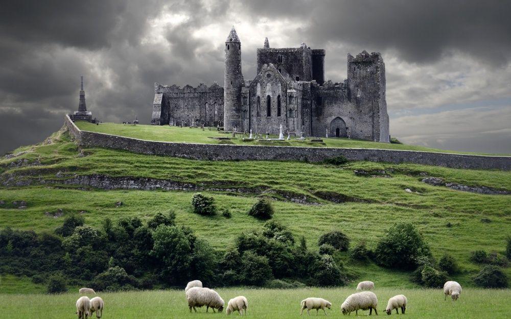 18. Замок Кашел, Ирландия Замок Кашел был резиденцией королей Ирландии несколько сотен лет до норман