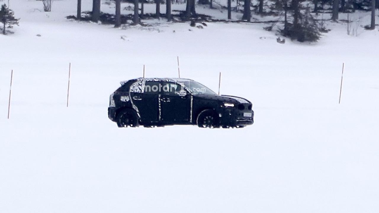 Винтернете появились первые фотографии нового Вольво XC60