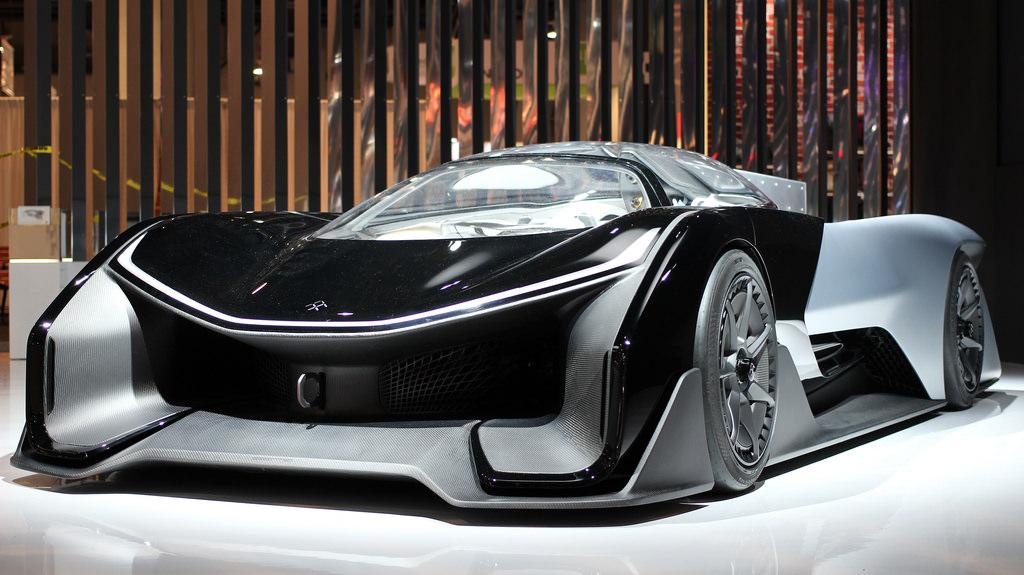 Faraday Future проводит тестирования электромобиляFF 91