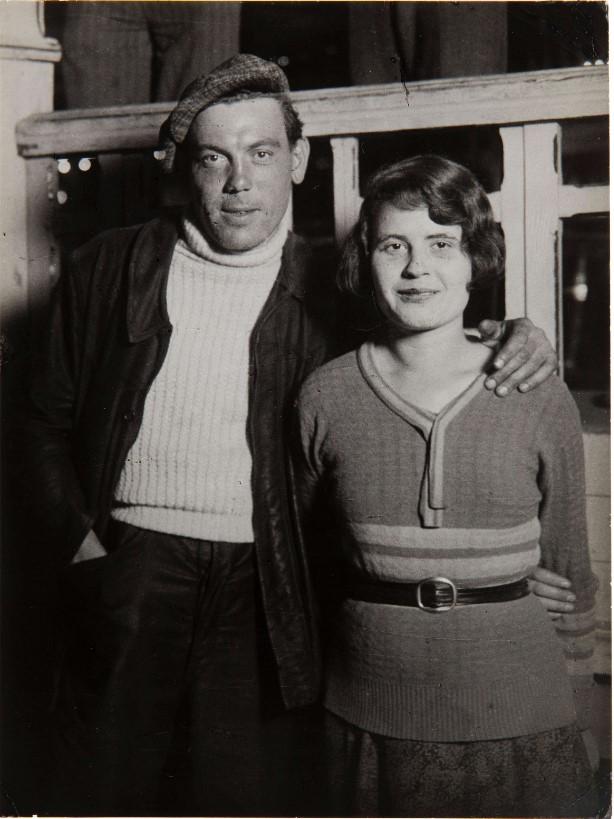 1932. Пара на ярмарке