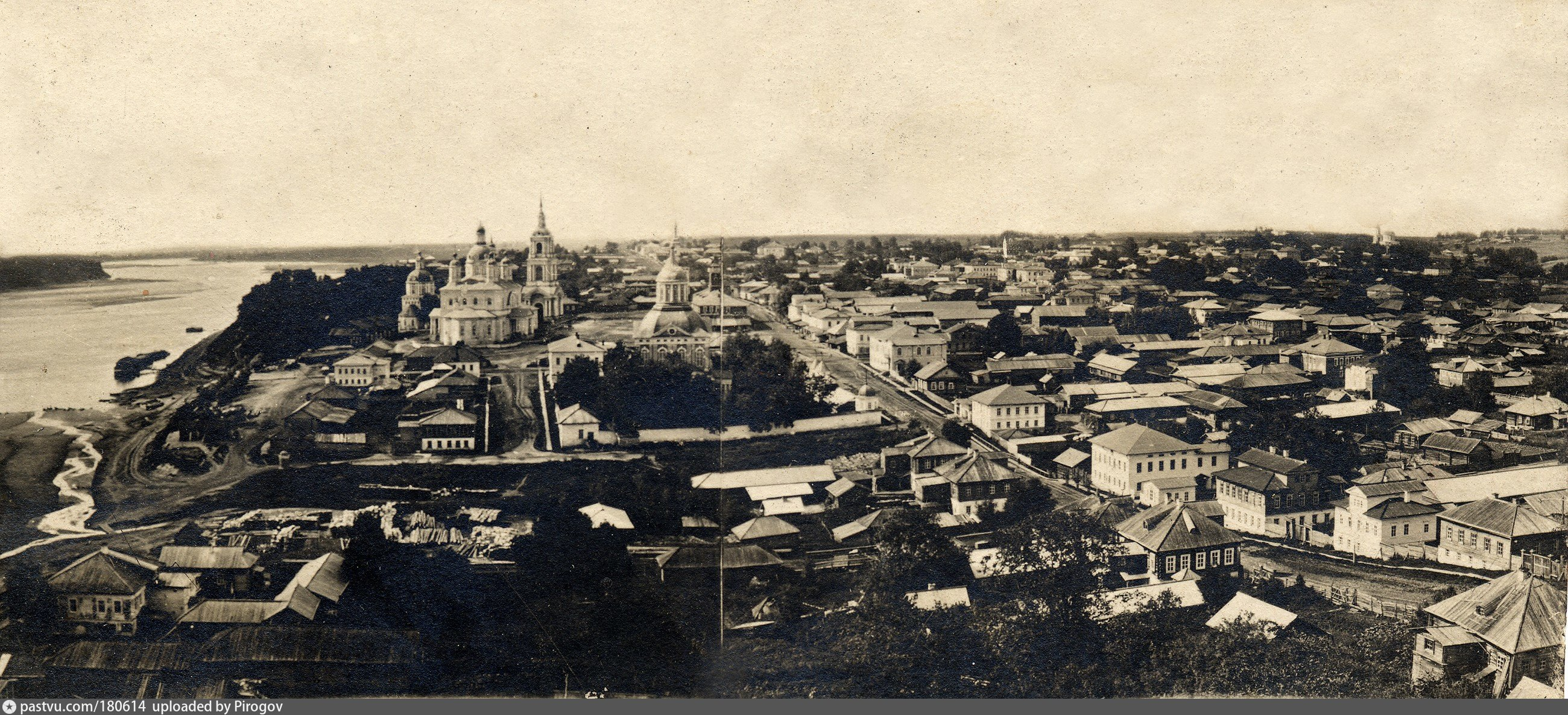 Панорама с колокольни Благовещенской церкви