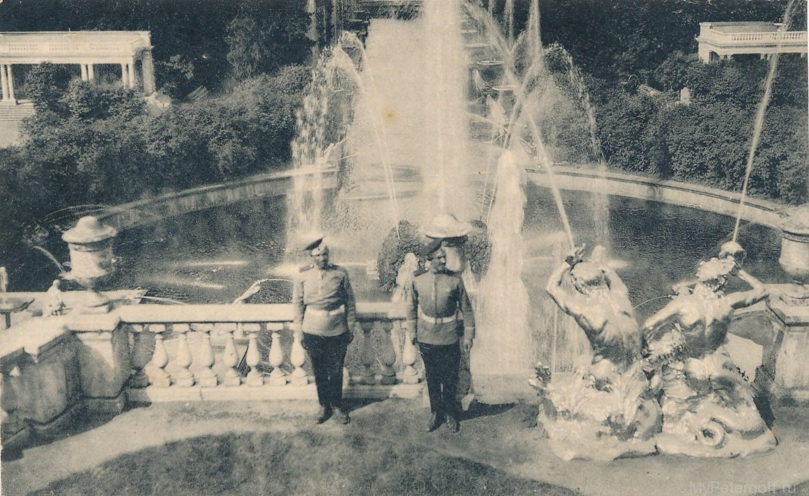 Фонтаны у Большого дворца