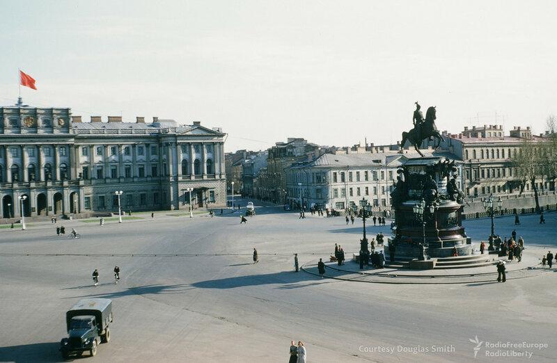 Ленинград. Исаакиевская площадь.jpg