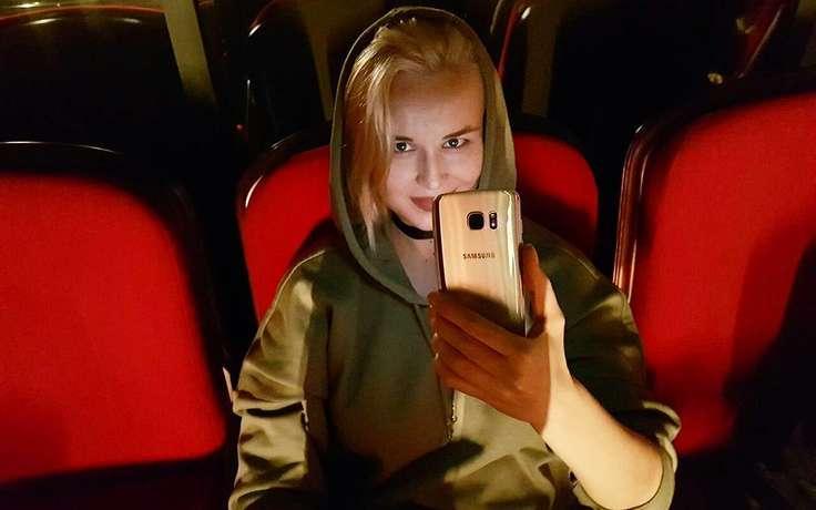 Беременная Гагарина оказалась под прицелом фотоаппаратов папарацци