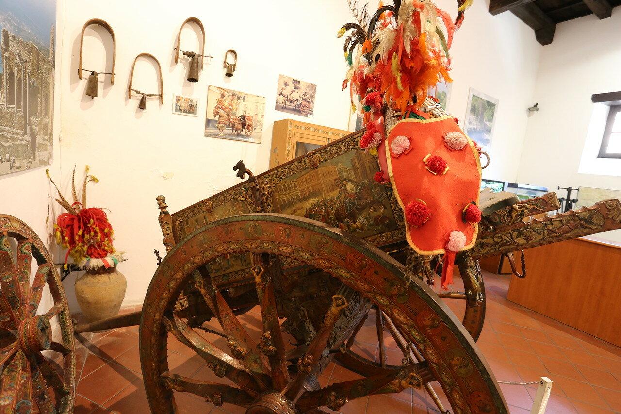 The Sicilian cart (Carettu Sicilianu)