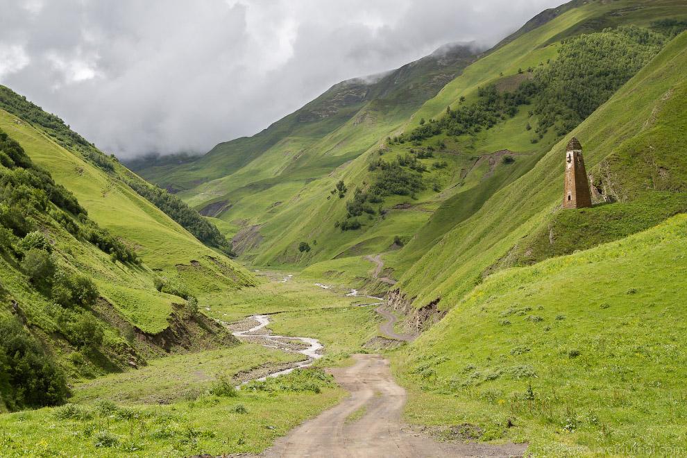 10. На перевал Datvi-Jvari. Дороги в горах Грузии идеальные: