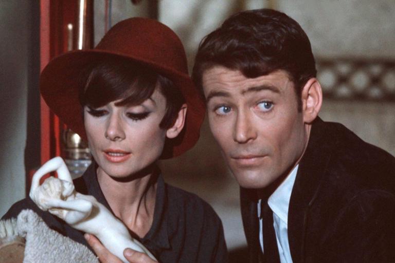 Когда Питер О'Тул округляет пронзительно-голубые глаза, а Одри Хепбёрн надевает кружевные ч